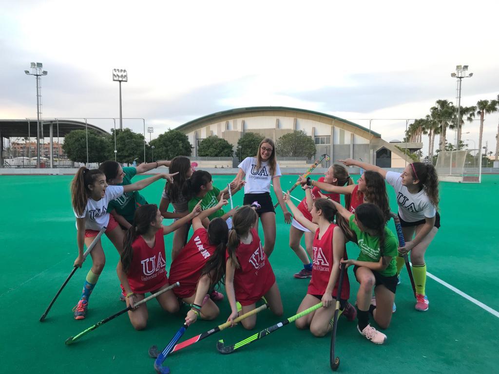 Austauschschülerin beim Hockey in San Vicente