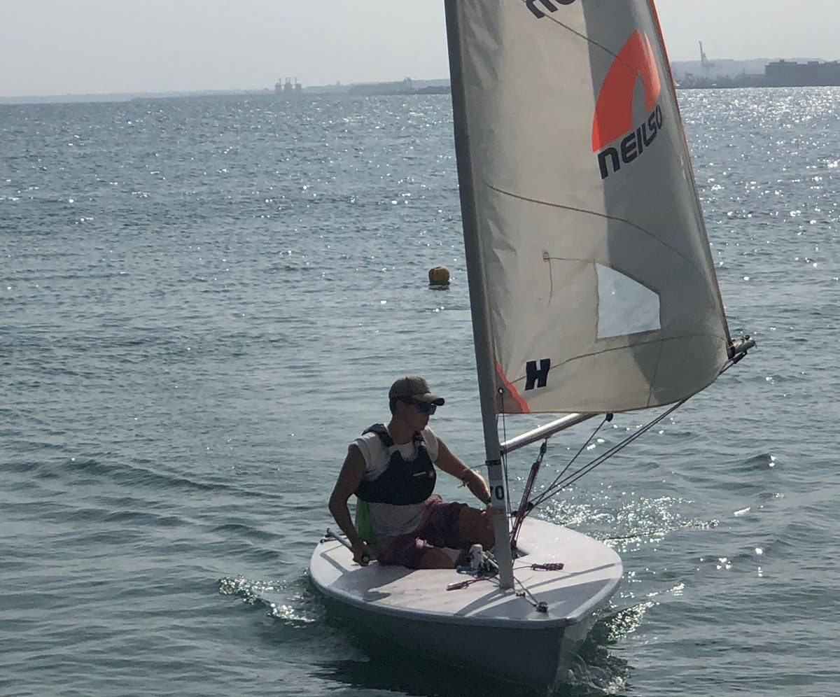 Austauschschüler beim Segeln in Alicante